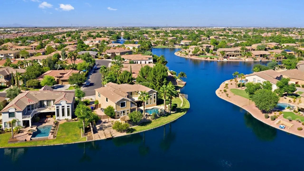 You are currently viewing Drones Sell Residential Real Estate